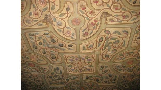 Ghost Room Ceiling Carvings