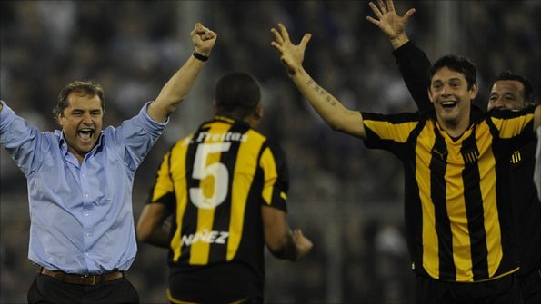 Diego Aguirre (left) has guided Penarol to the final of the Copa Libertadores.