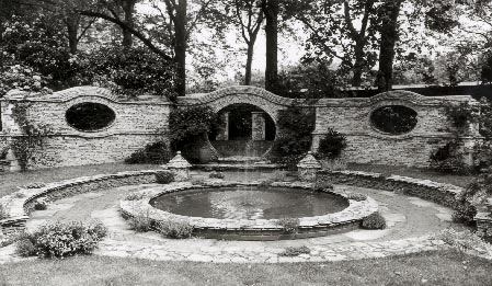 Chelsea garden design created by Ralph Hancock (Photo: Royal Horticultural Society)