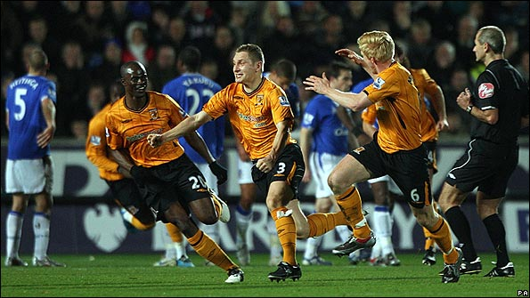 Dawson scores a screamer in Hull's 3-2 win over Everton