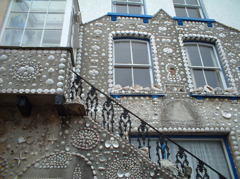 Shell decorations in Polperro - Gerald Goodwin