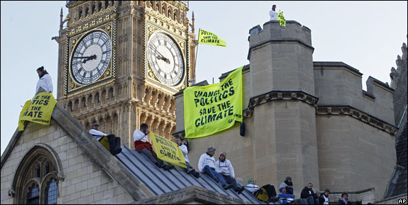 Climate_protest_at_UK_Parliament