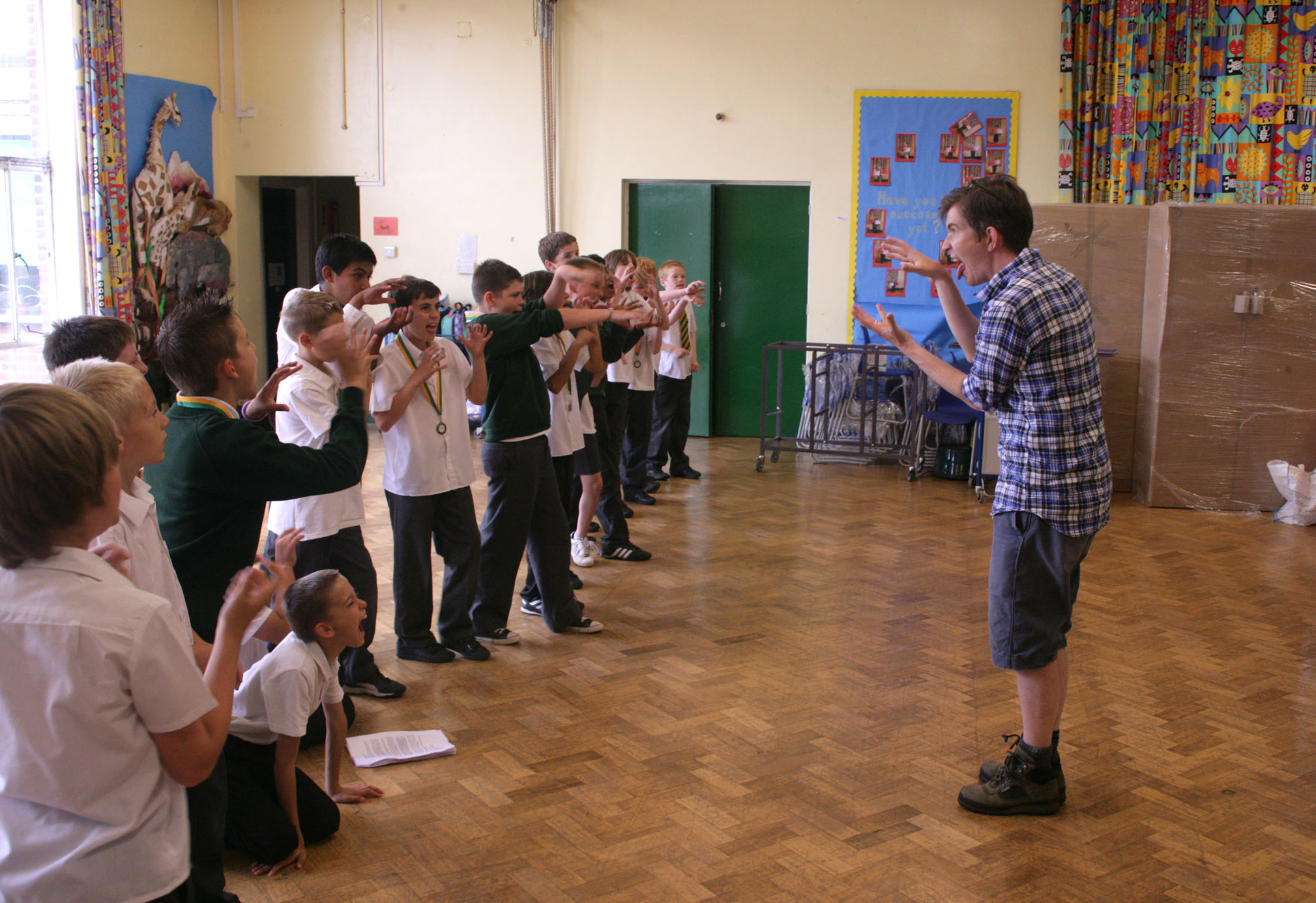 Gareth Malone with boys from a primary school in Essex