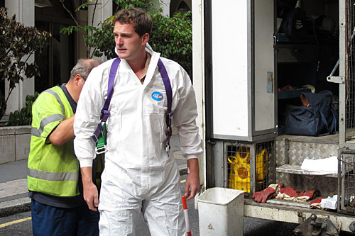 Dan Snow prepares to go into a sewer.