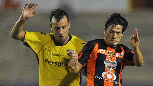 8b284956024 The game between Cerro Porteno and Jaguares was a close-fought affair -  photo  Reuters