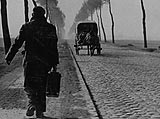 Photo of a French displaced person returning home