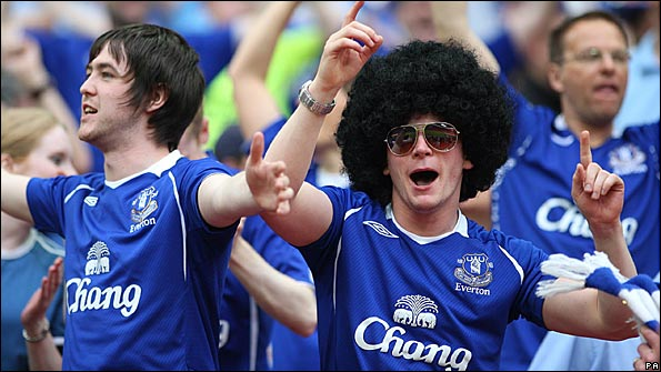 Everton fans cheer on their team at Wembley