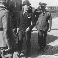 Mussolini with nose intact at Ciampino, 1926