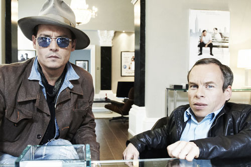 Warwick Davis with Johnny Depp