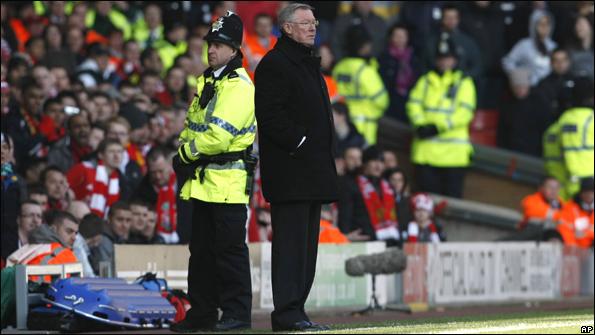 Sir Alex Ferguson refused to talk to the media after Manchester United's defeat by Liverpool.
