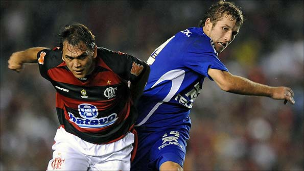 Dejan Petkovic (left) playing for Flamengo