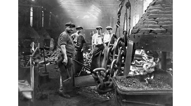 Chainsmiths at Brown Lenox works c.1900