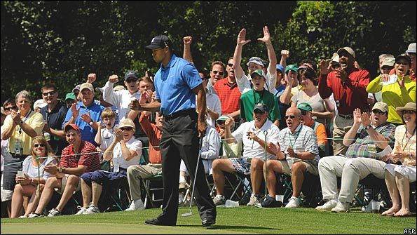 Tiger Woods and spectators, eighth green, Augusta