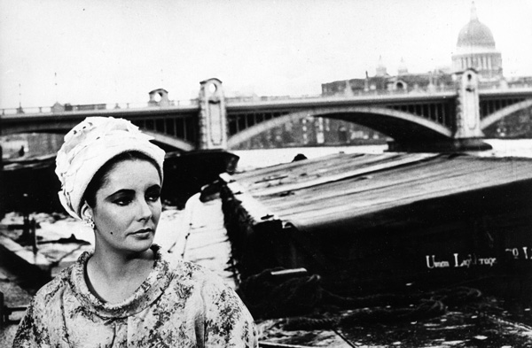 Elizabeth Taylor in front of the River Thames in 1963.