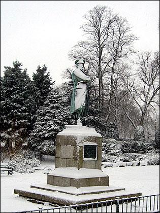 Edward John Smith statue - Captain of The Titanic