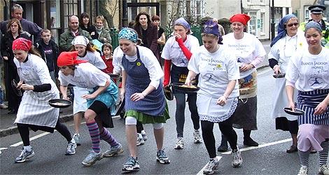 http://www.bbc.co.uk/threecounties/content/images/2007/02/20/olney_pancake_race_470_470x250.jpg