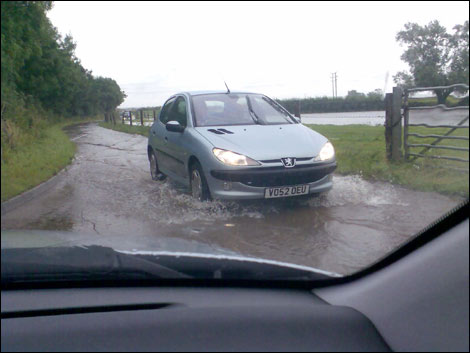 - swindon_flood_13_470x353