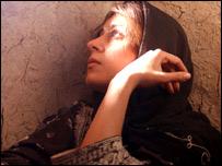مريم مقدم در نقش باکره در صحنه ای از فيلم