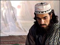 کمال نوری در نقش مامور اعدام در صحنه ای از فيلم