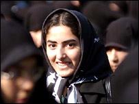 اجباري شدن حجاب در دوران جمهوري اسلامي، اگرچه مخالفت هايي را به دنبال آورد اما امکان حضور اقشار سنتي تر زنان در جامعه را فراهم کرد