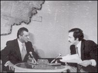 مصطفی دانش( راست) در گفتگويی با ببرک کارمل