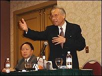 Ông Hoàng Minh Chính tại Mỹ tháng 9 năm 2005