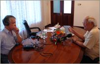 Phóng viên Xuân Hồng của BBC phỏng vấn Cựu Thủ tướng Võ Văn Kiệt tại Sài Gòn hôm 17.04