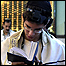 یهودی ایرانی در حال تورات خوانی