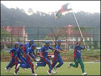 تیم کریکت افغانستان بعد از یک پیروزی