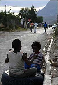 Crianças sul-africanas em Zwelethemba