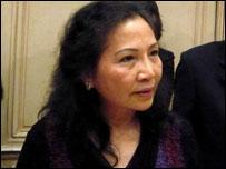 Bà Dương Thu Hương tại họp báo ở Paris hôm 8/12